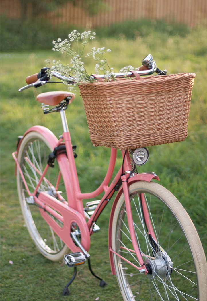 pink-cruiser-bike-with-basket.png